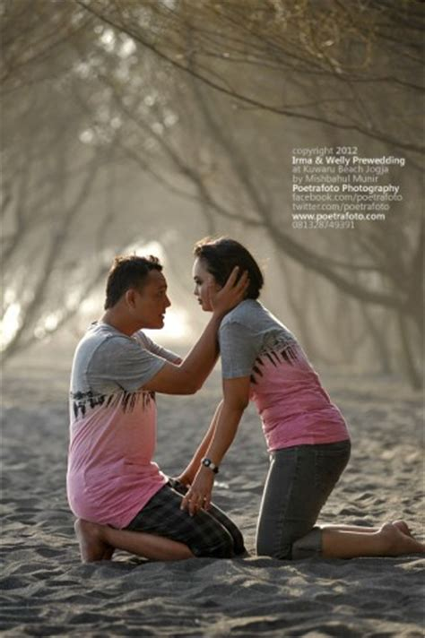 tutorial fotografi prewedding konsep foto pre wedding outdoor romantis by poetrafoto