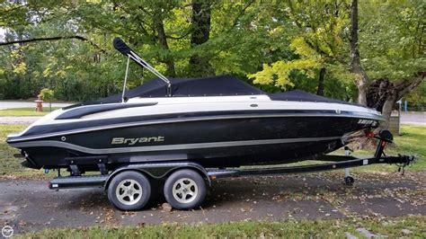 bryant boats used 2012 used bryant 220 br bowrider boat for sale 36 900