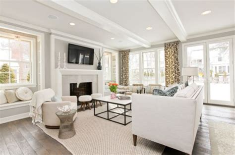 White Living Room by Sparkling White Walls That Can Make A Room Shine And Stand Out