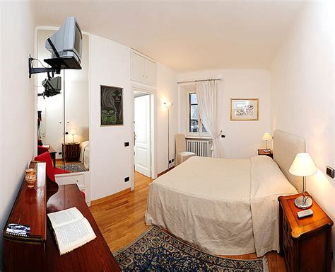 two master bedroom apartments master bedroom of the rome spanish steps anita apartment