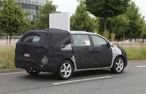 All New Kia Carnival Spyshots All New 2015 Kia Sedona Carnival Autoevolution