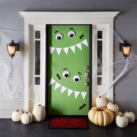 30 inspiring diy halloween decorations 30 halloween porch decoration ideas easyday