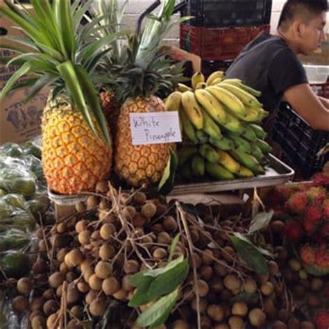 Ij Ir St Pineapple Hilo Farmers Market 375 Photos 246 Reviews Farmers