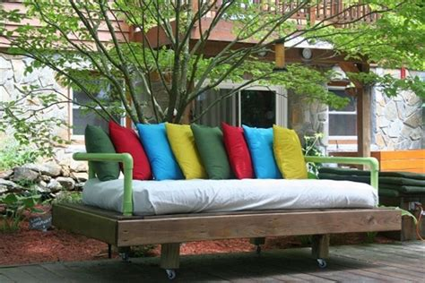 how to make a pallet daybed from old pallets wooden diy daybed made from pallets wooden pallet furniture
