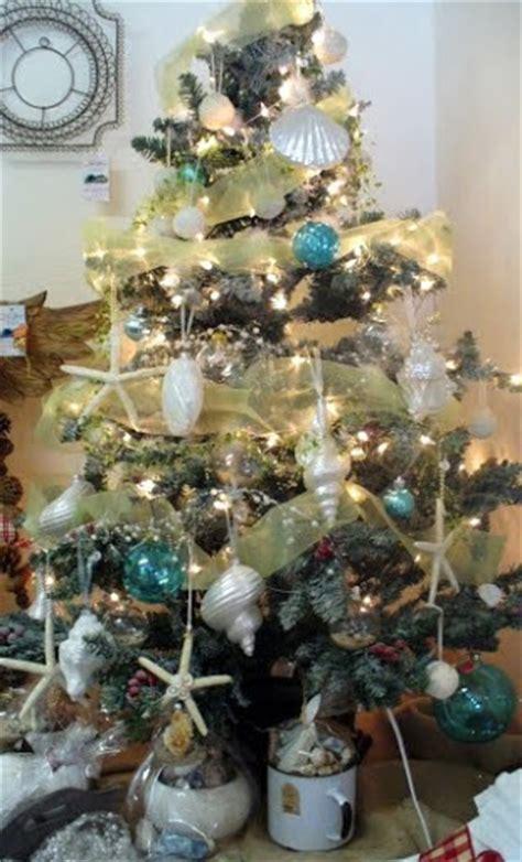 huntington beach christmas lot tree 25 coastal trees inspired by the sea coastal decor ideas and interior design