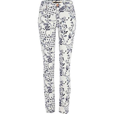 Yay Or Nay Topshops Floral Print Top by Top 10 Patterned Snap Fashion