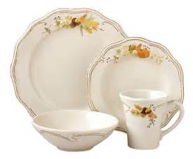 thanksgiving dinnerware current event