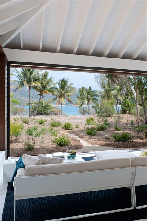 small  relaxing tropical beach home  australia