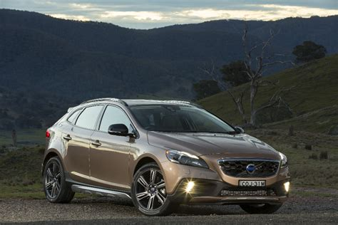 review  volvo  cross country  drive