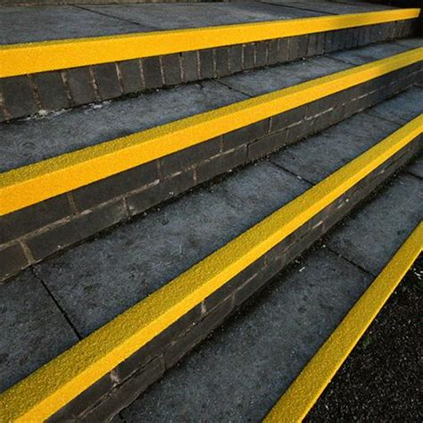 gfk matten verarbeiten treppenkantenprofil gfk kunststoff rutschhemmender winkel