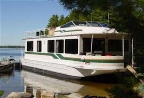 boat houses to rent simple house boat rental tips to have a great houseboat holiday