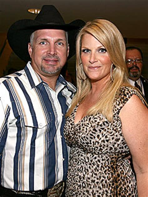 is garth brooks ex sandy mahl brooks still alive garth brooks trisha yearwood celebrate anniversary at