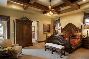 Mediterranean Style Bedroom by 105 Golden