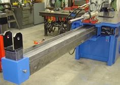 hydraulic cylinder disassembly bench built in hydraulic rail for pulling apart hydraulic