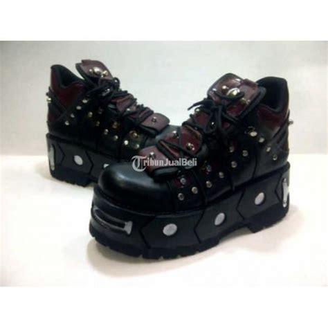 sepatu rock untuk pria barang baru bnwt bandung dijual