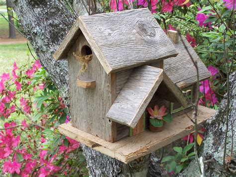 Handmade Birdhouse - 15 decorative and handmade wooden bird houses style