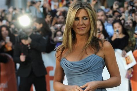 beautiful hollywood actress above 40 jennifer aniston jpg