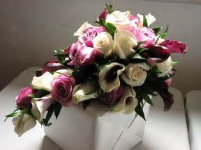 Flowers Bouquet File Cascading Bridal Bouquet Jpg Wikimedia Commons