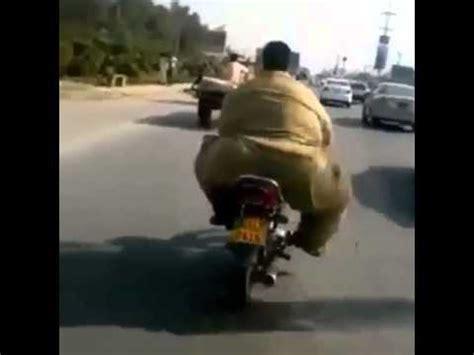 vidios orang gemuk video orang gendut naik motor youtube