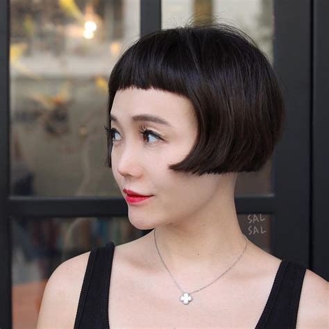 bob hairstyles with textured ends women s contoured retro bob with micro bangs and blunt