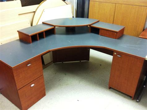 Great Corner Office Desk Corner Office Desk With Shelves Office Corner Desks
