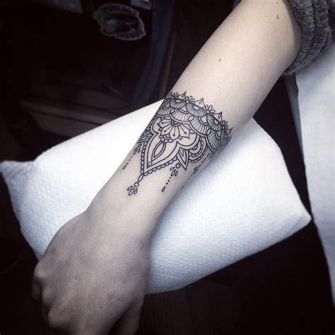 tattoo wrist cuff best 25 arm cuff ideas on