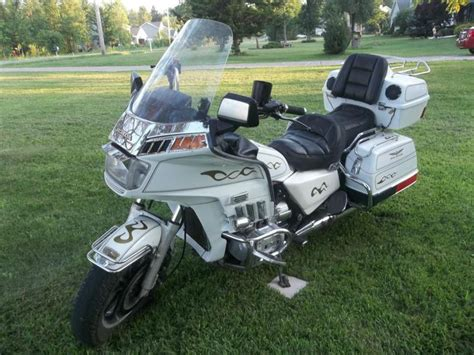 Dresser Motorcycle by Honda Goldwing Gl1200 Dresser Motorcycle For Sale On