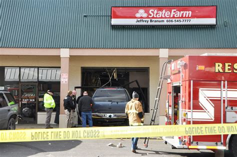 State Farm V Brewer Car by Two Airlifted Out After Vehicle Crashes Into State Farm