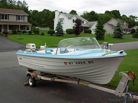 mfg tri hull fiberglass boat vintage tri hull boats bing images