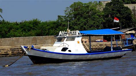 Jual Umpan Mancing Cumi sewa kapal mancing tanjung pasir tangerang fishing mancing
