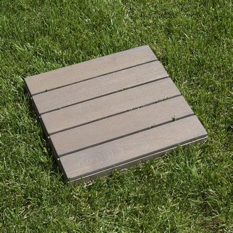 piastrelle legno quadrotte in legno per pavimenti esterni woodplate robinia
