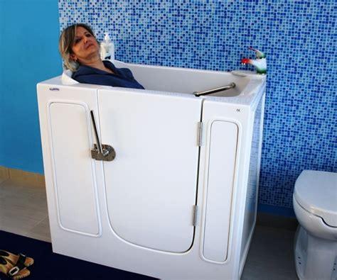 vasca doccia piccola piccola vasca con apertura laterale per anziani e disabili