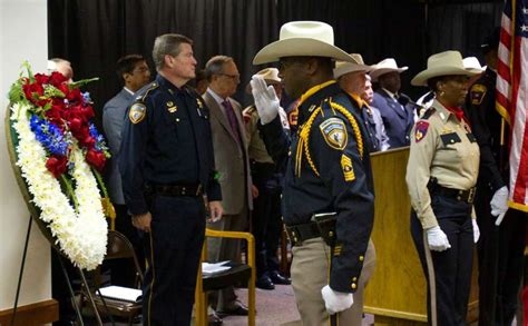 harris county sheriff s office honor guard member