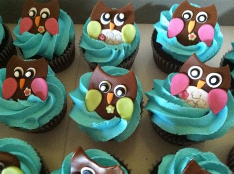 owl baby shower cupcakes these owl cupcakes baby shower