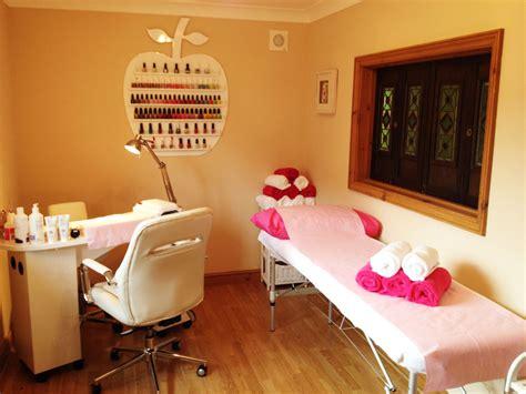 small nail salon google search koermoes szalonotthon