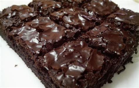 cara membuat brownies kukus yg mudah resepi kek brownies kukus mudah dan sedap myresipi info