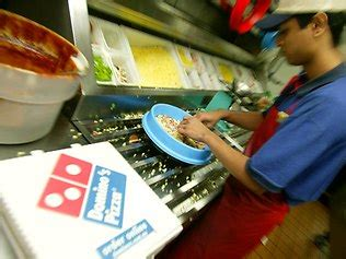 domino pizza maker junior pizza maker dominos offers 1000 new jobs