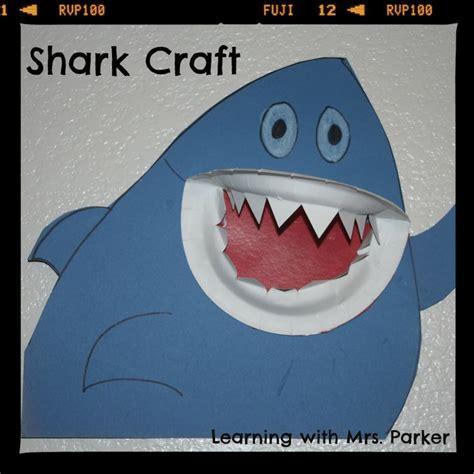 libro the shark in the best 25 shark books ideas on shark craft how many kids and preschool ocean themes