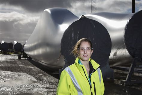 siemens engineer laura urges female candidates  follow  lead create  future