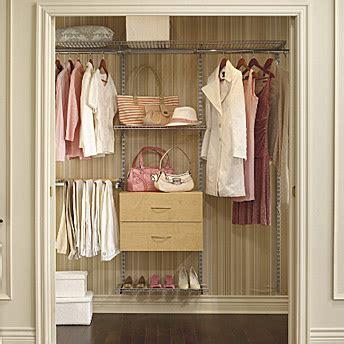 rangement garde robe rona maximiser le placard et le garde robe 1 rona