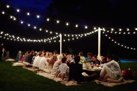 tips  plan  perfect outdoor party  fabulous