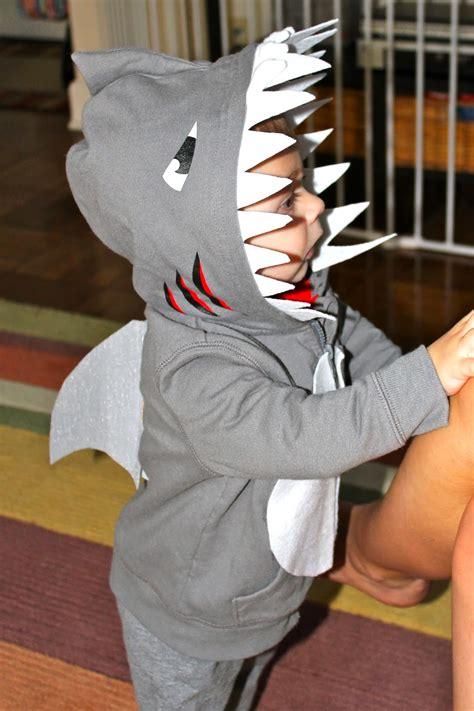project babymom happy halloween   diy shark