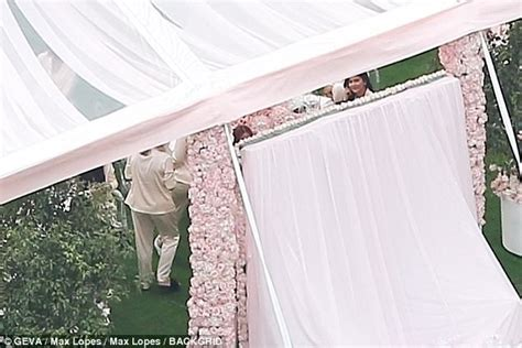 Kris Set Shower A222d05g03 jenner throws own baby shower all in pink daily mail