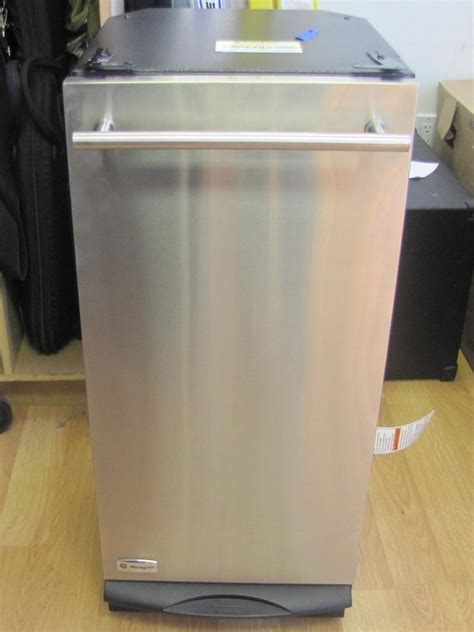 ge profile 15 in built in trash compactor in stainless ge monogram zcgs150rss 00 15 quot built in stainless steel