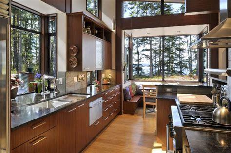 modern mad home interior design ideas beautiful kitchen 環境を活かす検討 森の中に建つ家の開放的なキッチン 住宅デザイン