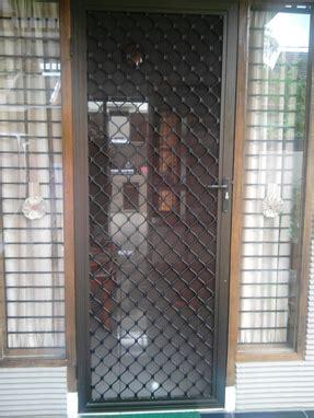 Contoh Pintu Kasa Nyamuk Besi dan Alumunium   Bengkel Las Jaya