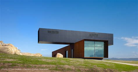 cantilever homes 15 modern homes with cantilevered and overhanging volumes