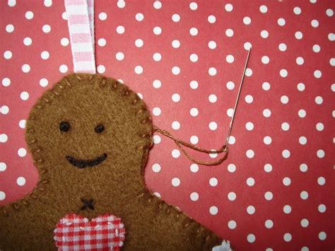 felt gingerbread pattern free felt christmas ornament patterns cupcake cutie