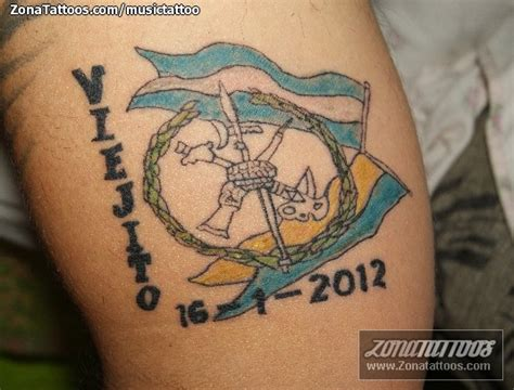 tatuaje de escudos banderas