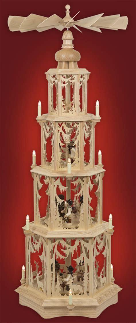 gedrechselte säulen pyramide waldmotiv gedrechselte figuren 4 st 246 ckig